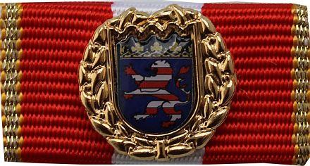Goldene Ehrennadel
